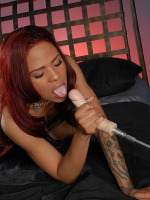 Nodia's tranny pussy is pleasured by an ass-jack-hammering machine