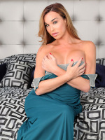 Today we have the beautiful Jonelle Brooks in this solo update. Nothing is sexier than watching a gorgeous beauty such as Jonelle have some solo fun. That teal dress hugs her body in so many right ways it's incredible.