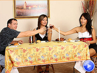 Thanksgiving Threesome : Carmen Moore and Jamie Page have a Thanksgiving threesome and get stuffed