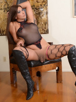 Hot Vaniity in stockings & boots