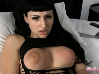 Gorgeous Bailey Jay masturbating in the bed