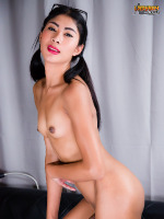 Latest Dominique Winters Pics Gallery And Videos