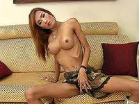 Sexy exotic t-girl Icecy showing her smashing body